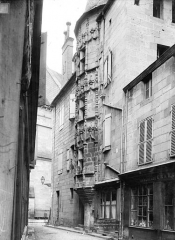 Maison à tourelle ou tour des Echevins - Tourelle en encorbellement