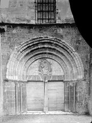 Eglise Saint-Bathélémy - Portail de la façade ouest