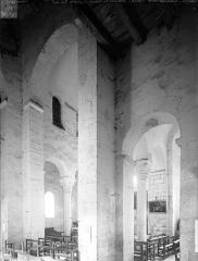 Eglise - Vue intérieure du transept vers le nord-est