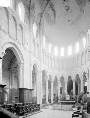 Eglise priorale Sainte-Croix - Vue intérieure du choeur
