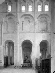 Eglise priorale Sainte-Croix - Vue intérieure du transept sud