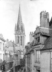 Ancienne église Notre-Dame-de-Froide-Rue ou église Saint-Sauveur - Clocher : Vue prise de la rue Froide