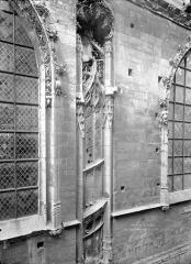 Ancienne église Notre-Dame-de-Froide-Rue ou église Saint-Sauveur - Façade sud : Escalier