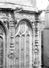 Ancienne église Notre-Dame-de-Froide-Rue ou église Saint-Sauveur - Abside : Fenêtre