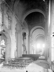 Eglise Saint-Hilaire - Vue intérieure du transept sud et du transept nord, vers le nord