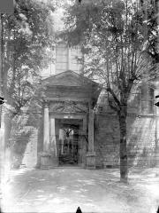 Eglise Saint-Jean de Montierneuf - Portail de la façade ouest