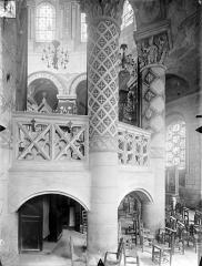 Eglise Sainte-Radegonde - Vue intérieure du déambulatoire, côté sud