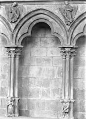 Cathédrale Saint-Cyr et Sainte-Julitte - Vue intérieure de la nef, côté nord : Arcature du triforium
