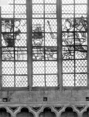 Cathédrale Saint-Vincent - Vitrail de la nef, côté sud (restes) : L'Annonciation