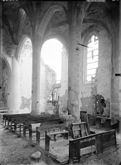Eglise - Vue intérieure de la nef et du bas-côté sud, vers le sud-est