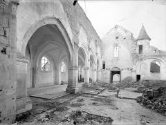 Eglise - Vue intérieure de la nef et du bas-côté sud, vers le sud-ouest