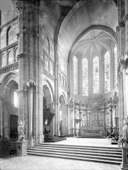 Cathédrale Saint-Lazare - Vue intérieure du choeur