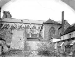 Cathédrale Saint-Vincent - Façade sud et restes du cloître