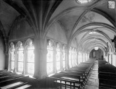 Cloître capitulaire de Saint-Vincent - Vue intérieure des galeries sud et est