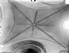 Eglise Notre-Dame - Voûte de la nef (vue verticale)