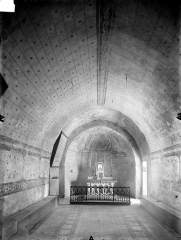 Eglise Notre-Dame - Crypte Saint-Catherine : Vue intérieure vers l'est