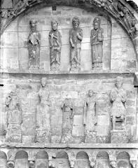 Eglise Saint-Nicolas - Façade ouest : Statues de la baie sud du 1er étage