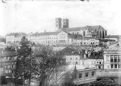 Cathédrale Notre-Dame - Vue générale prise du sud-est