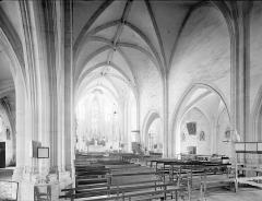Eglise - Vue intérieure de nef vers le sud-est