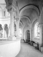 Ancienne abbaye Saint-Philibert - Eglise - Vue intérieure du déambulatoire, côté sud