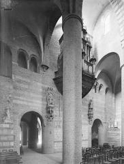 Ancienne abbaye Saint-Philibert - Eglise - Vue intérieure de la nef vers le nord-ouest : Revers du narthex