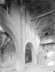 Ancienne abbaye Saint-Philibert - Eglise - Vue intérieure de la chapelle Saint-Michel (étage du narthex), vers le nord-est : Travée centrale