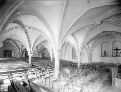Ancienne abbaye Saint-Philibert - Salle capitulaire : Vue intérieure vers le sud-ouest