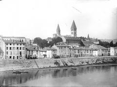Ancienne abbaye Saint-Philibert - Vue générale prise du sud-est, depuis la Saône