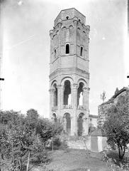 Ancienn abbaye Saint-Sauveur de Charroux - Eglise - Tour lanterne octogonale : Vue d'ensemble