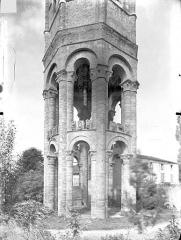 Ancienn abbaye Saint-Sauveur de Charroux - Eglise - Tour lanterne octogonale : Arcades de la partie inférieure