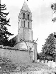 Eglise Saint-Gervais Saint-Protais - Clocher, côté sud-est