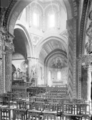 Eglise Saint-Nicolas - Vue intérieure du choeur