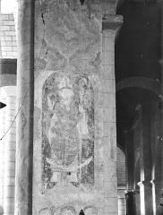 Eglise Saint-Hilaire - Peintures murales (restes) : Evêque
