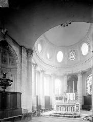 Eglise Saints-Pierre-et-Paul - Vue intérieure du choeur