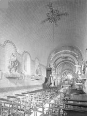 Eglise Saint-Pierre Saint-Paul - Vue intérieure de la nef vers le nord-est