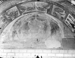 Ancienne église abbatiale - Peinture murale du porche (scènes de l'Apocalypse) - Tympan : Christ de la Parousie