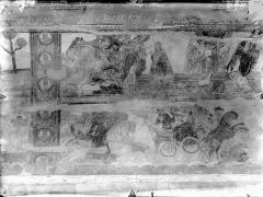 Ancienne église abbatiale - Peinture murale de la nef - Voûte, côté nord : La Prière d'Enocle, Noé parle à Dieu (registre supérieur). La Cavalerie égyptienne et le char de Pharaon engloutis par la Mer Rouge (registre inférieur)