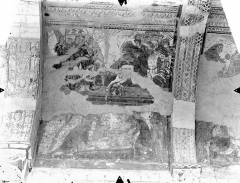 Ancienne église abbatiale - Peinture murale de la nef - Voûte, côté sud : Abraham délivre Lot (registre supérieur). Funérailles d'Abraham (registre inférieur)