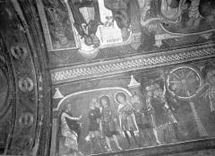 Ancienne église abbatiale - Peinture murale de la crypte (vie des saints Savin et Cyprien) - Versant sud : Maximus condamme les deux saints à de nouvelles tortures, le Supplice de la roue (registre supérieur)