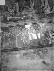 Ancienne église abbatiale - Peinture murale de la crypte (vie des saints Savin et Cyprien) - Versant sud : Le Supplice de la roue (registre supérieur)