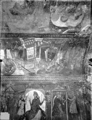 Ancienne église abbatiale - Peinture murale de la crypte (vie des saints Savin et Cyprien) - Versant sud : Le Supplice des morsures de fauves (registre supérieur)