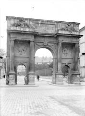 Porte Sainte-Catherine - Vue d'ensemble, du côté du faubourg