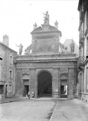 Porte Saint-Georges - Vue d'ensemble, du côté du faubourg