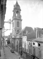 Eglise Saint-Laurent - Façade ouest en perspective