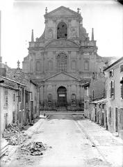 Ancienne abbaye Sainte-Marie-Majeure ou des Prémontrés ou ancien petit séminaire - Eglise - Façade d'entrée (à l'est)