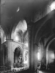 Eglise Saint-Hilaire - Vue intérieure du transept et du choeur, vers le nord-est