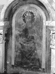 Ancienne église abbatiale - Peinture murale d'une absidiole du déambulatoire (arcature) : Figure de saint
