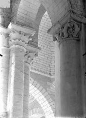 Eglise Saint-Hilaire - Chapiteaux