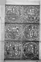 Eglise Saint-Gengoult et son cloître - Vitrail de la petite chapelle absidiale D, panneaux inférieurs des deux lancettes 1, 2, 3, 7, 8, 9