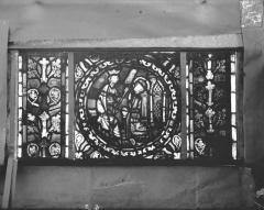 Eglise Saint-Gengoult et son cloître - Vitrail de l'abside, lancette gauche, panneaux supérieurs 3